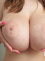 Busty Buffy Plays With Bubble Foam And Her Natural Juggs - Picture 2